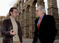 El poeta almeriense José Luis López Bretones -a la izquierda- y Jorge Urrutia, en Segovia. Foto: EFE