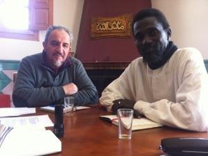 Ismael Diade (Fondo Kati) y la Fundación Azzagra firman el convenio sobre los manuscritos