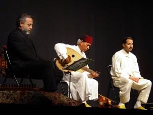 Eduardo Paniagua (izquierda) en una de sus actuaciones